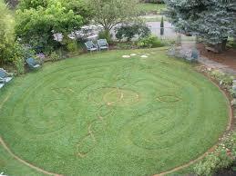 Paula Hills Starr, Labyrinth
