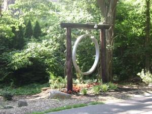 Creating a Feng Shui Garden: Metal Element